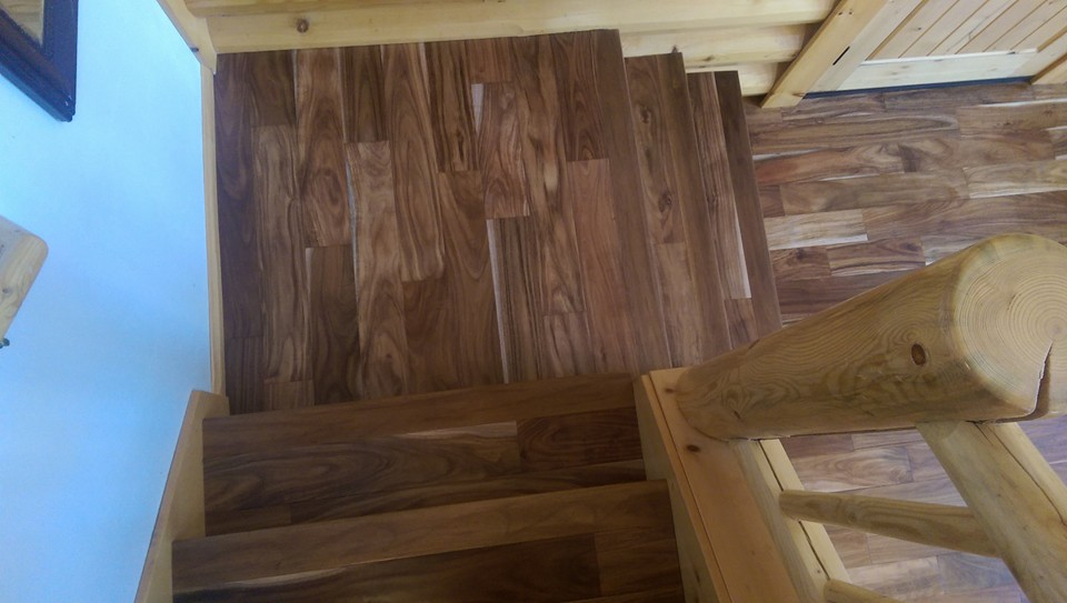 Hand Scraped Hickory Engineered Plank Hardwood Flooring